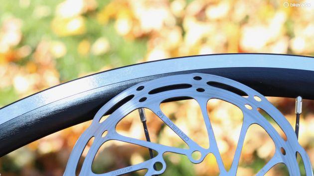 Comienza a tomar fuerza el uso de este tipo de frenos. Imagen: cyclingnews