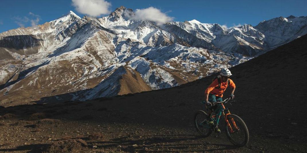 Un ciclista de montaña es el aventurero del año de National Geographic 2018, conozca su historia
