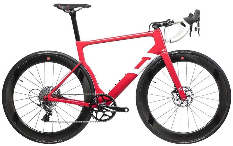 La 3T Strada, una bicicleta con un grupo monoplato, frenos de disco y cubiertas de 28 mm con la que el equipo Aqua Blue correrá las temporadas de 2018.