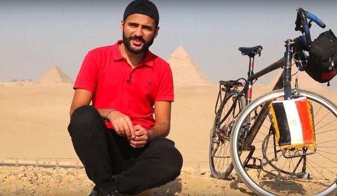 Mohamed Nufal, el egipcio que llegará al Mundial de Rusia en su bicicleta.