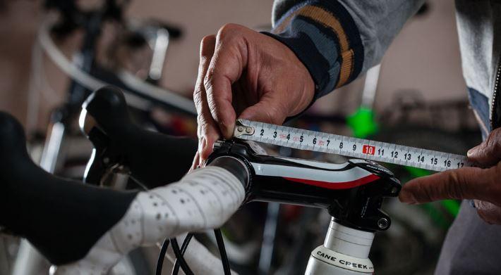 La longitud de la potencia puede alterar la distancia entre el sillín y el manillar. Imagen: maillotmag por Mariano Herranz