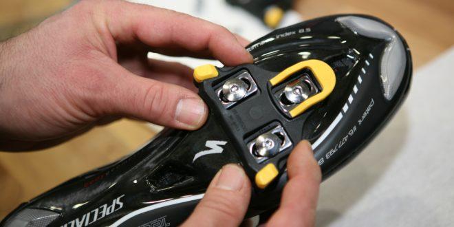 Aprende a ajustar las calas de tus zapatillas de carretera.