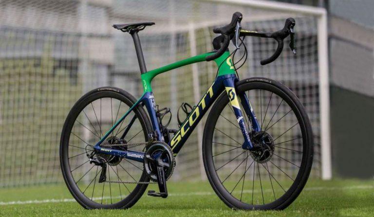 La Increíble bicicleta Scott 'Verdeamarela' del futbolista Neymar