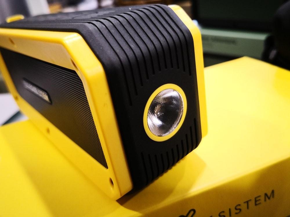 luz frontal de tecnología LED