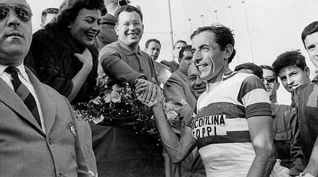 Fausto Coppi se convirtió en el ciclista más joven en ganar el Giro de Italia