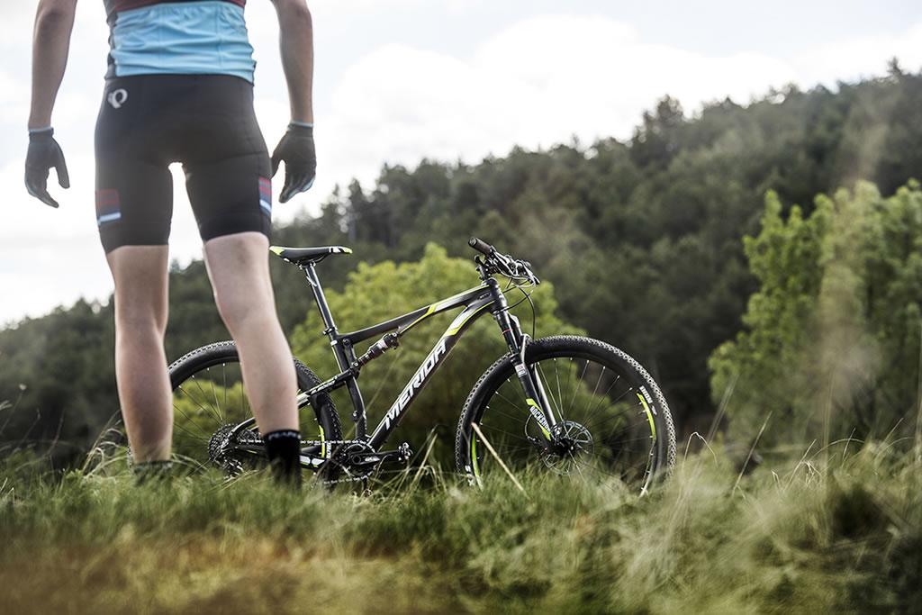 Los beneficios de utilizar una bicicleta con doble suspensión