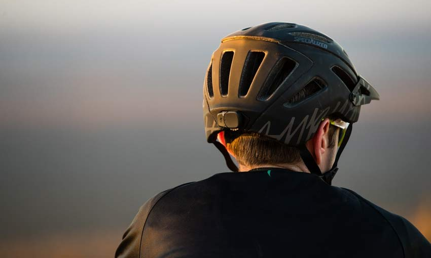 Casco inteligente de Specialized
