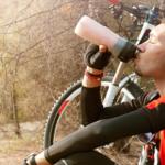 Cómo debe ser la hidratación del ciclista