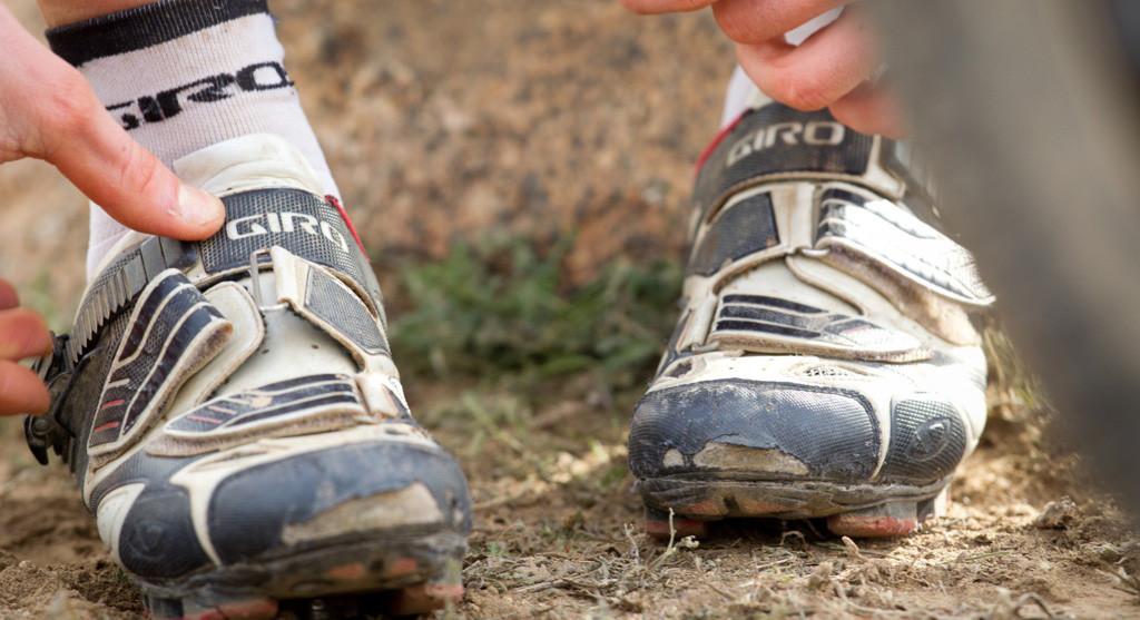 Evita los dolores y adormecimiento en los pies