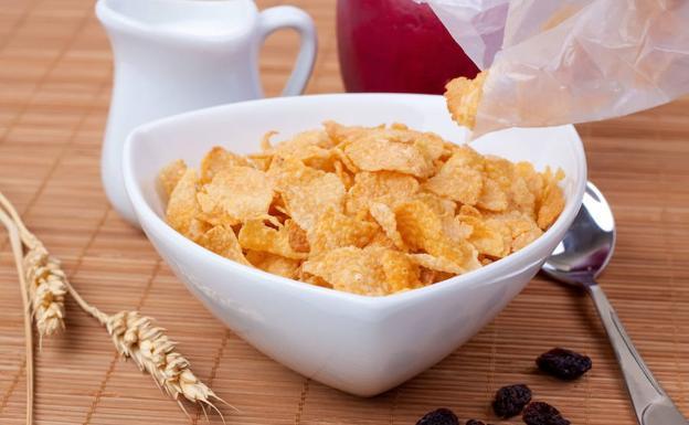 La taza de cereal azucarado no es recomendable