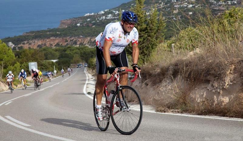 Los gobiernos pretenden reducir los niveles de obesidad a través de deportes como el ciclismo