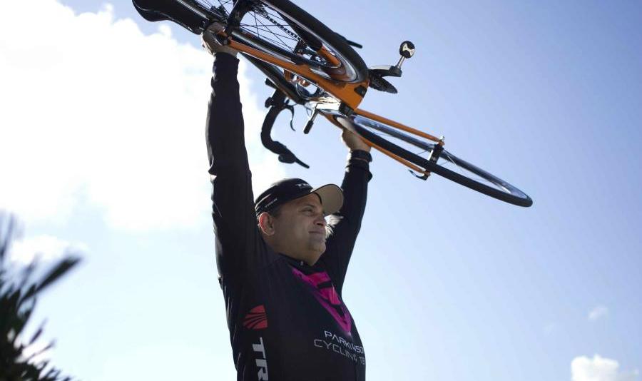 Alfredo Ruiza es ciclista y paciente a la vez