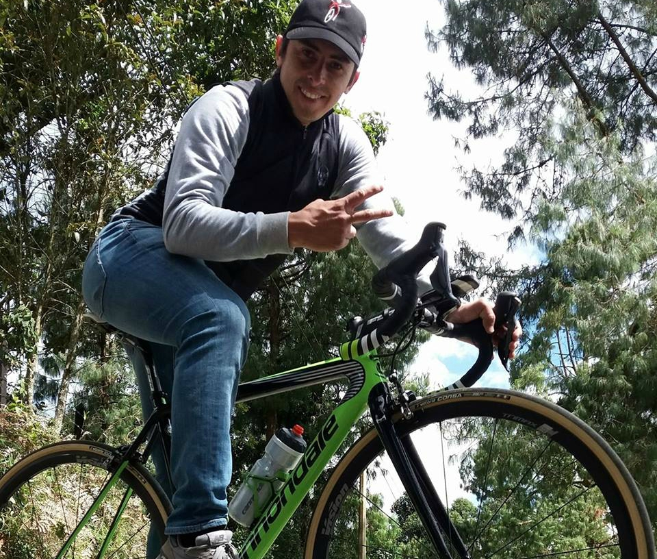 Karolo a Rueda viaja con el Sky en Medellín