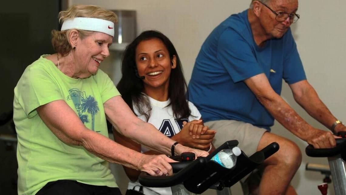 El contacto del pie en el pedal de la bicicleta actúa como un recordatorio de tacto que podría mejorar el movimiento de aquellas personas que padecen Parkinson