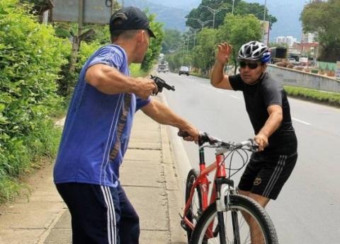 Ciclistas a los que le roban las bicicletas