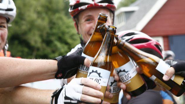 No es recomendable montar en bicicleta después de beber demasiado