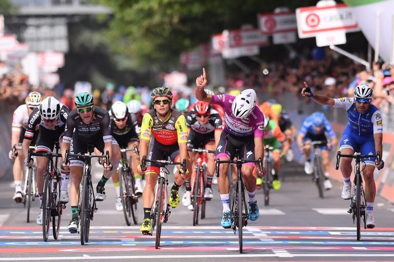 El pelotón en una de las etapas del Giro