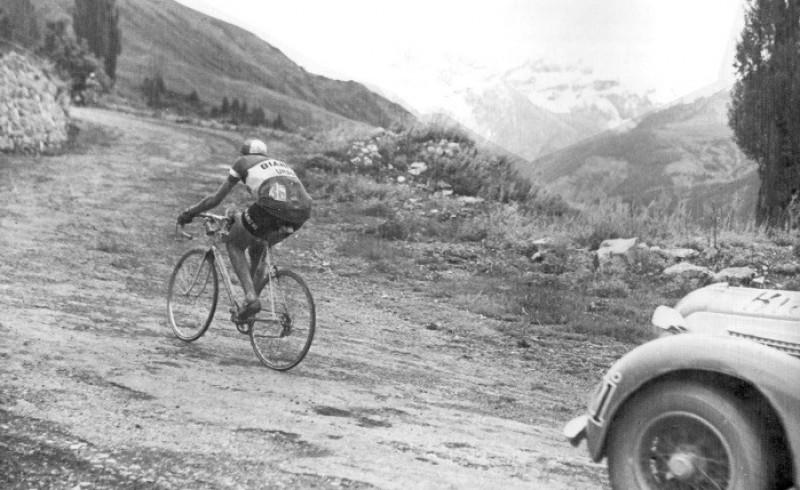 Fausto Coppi en Cuneo y Pinerolo