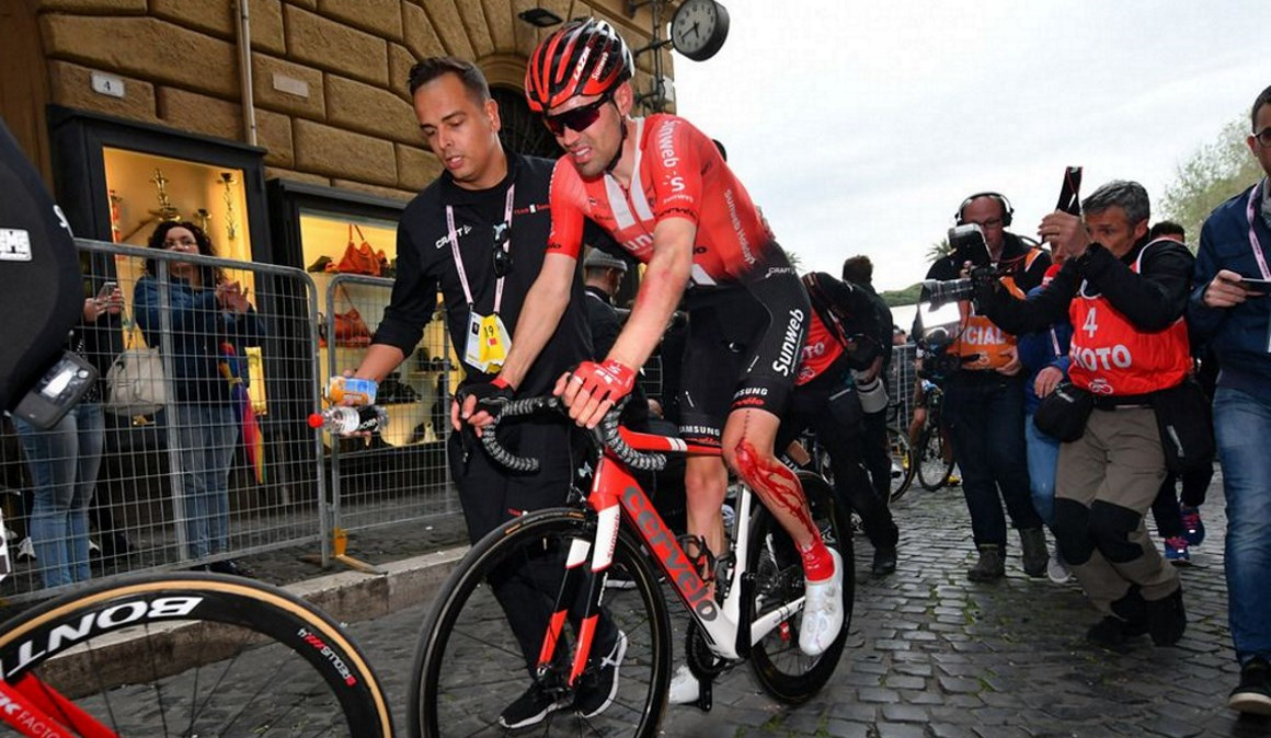 Accidente de Tom Dumoulin
