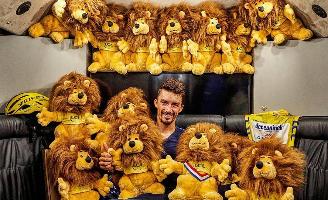 El león oficial del Tour de France