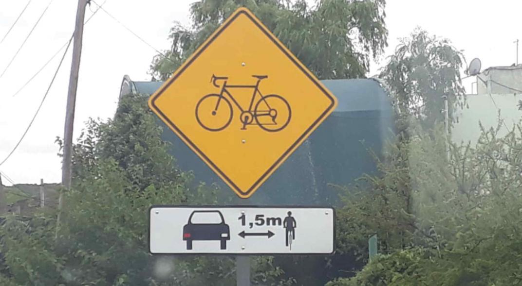 Cómo se comportan los ciclistas y los conductores en la vía