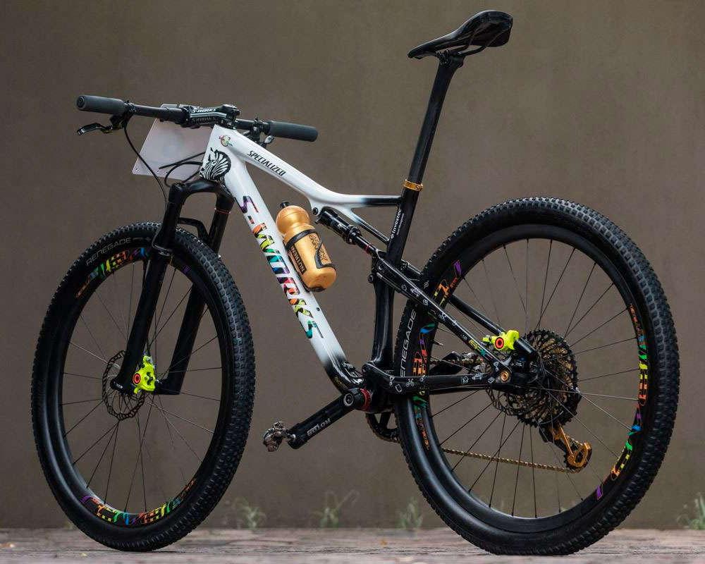Bicicletas de color blanco