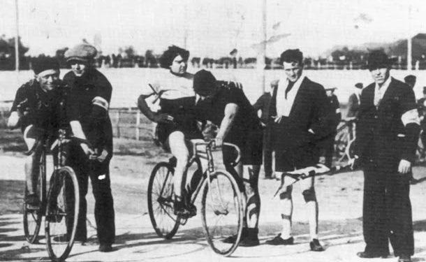 Alfonsina, la única mujer en correr el Giro