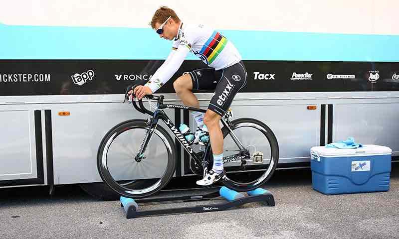 Dispositivo de rodillo para bicicletas