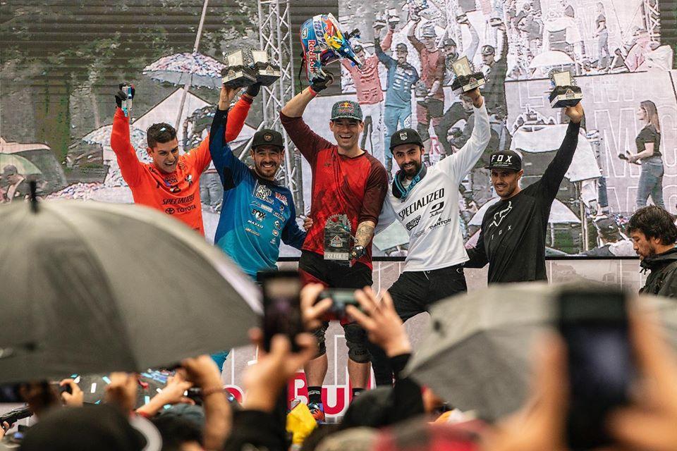 Monserrate felicitó a los ganadores