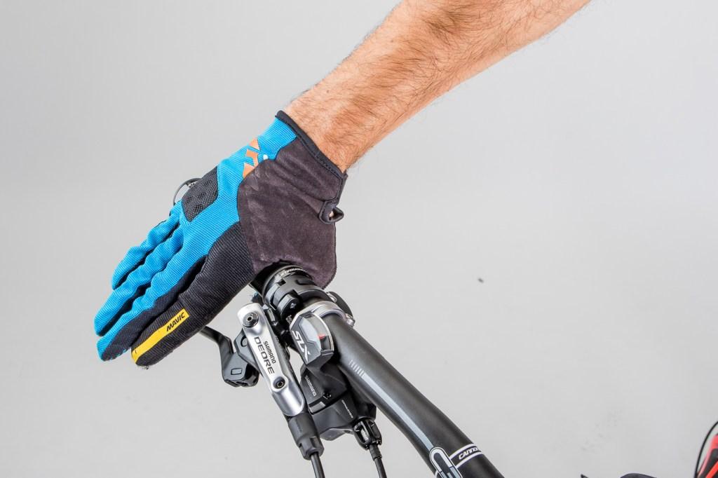 Acostumbra a usar guantes
