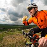 Ciclismo y ayuno intermitente, cómo beneficia a los ciclsitas