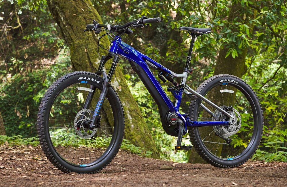El fabricante japonés de motocicletas Yamaha presentó de manera oficial su nuevo prototipo de bicicleta eléctrica de montaña bautizado con el nombre YDX Moro.