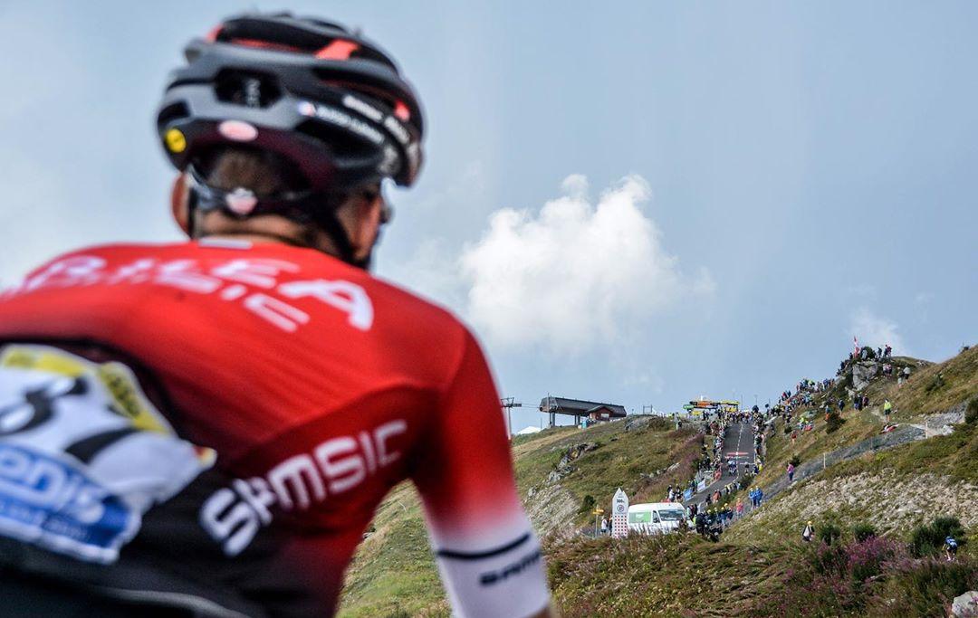 La policía francesa allanó la habitación de miembros del Arkéa-Samsic durante el Tour de France