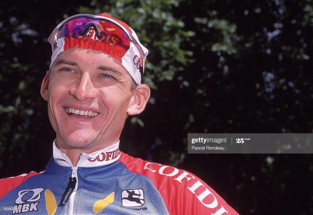 El día que la UCI aprobó el uso obligatorio del casco