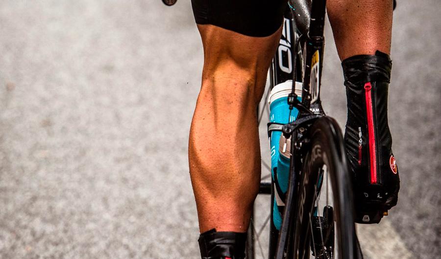 ¿Mejora el rendimiento de un ciclista cuando lleva sus piernas depiladas?