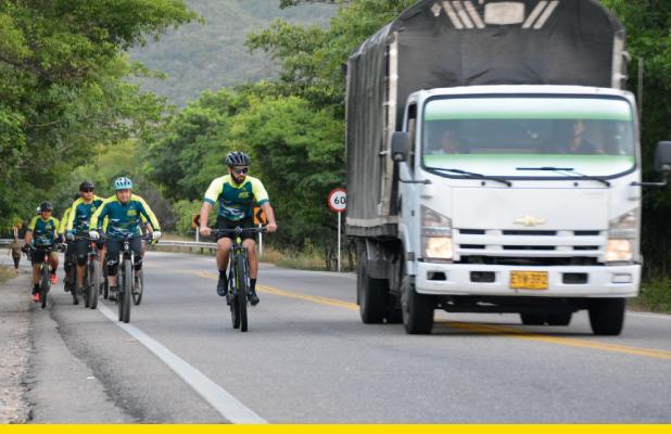 Efecto Venturi, un fenómeno físico que pone en riesgo a los ciclistas en la carretera