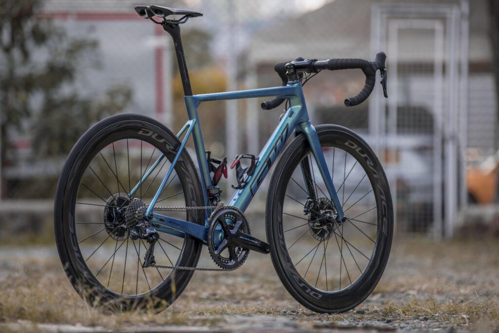 Una bicicleta aerodinámica de nivel superior