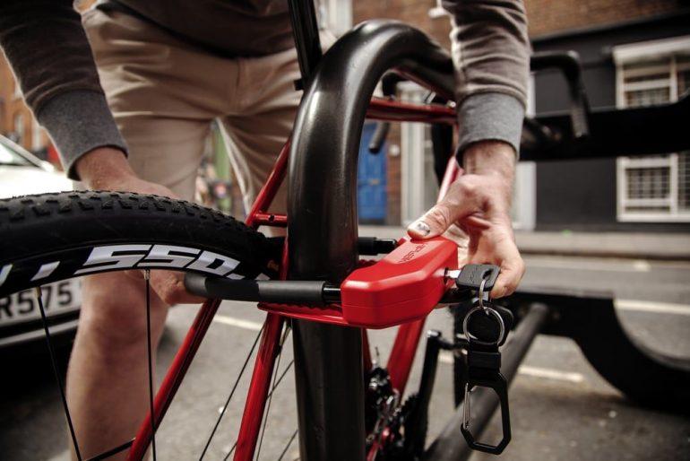 Candados tipo U para proteger la bici