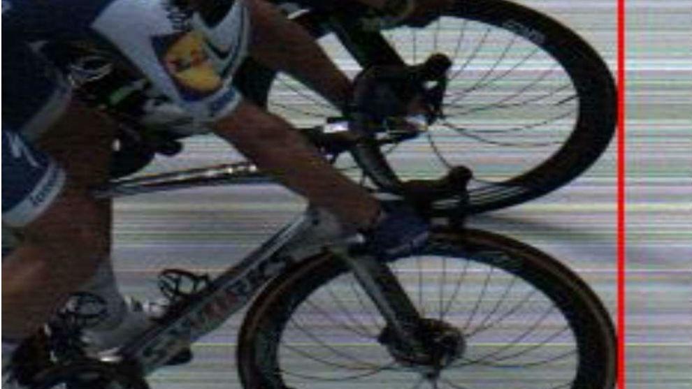 """""""No recuerdo una victoria tan ajustada"""", fueron las palabras del exciclista alemán Marcel Kittel luego de ganar el sprint de la séptima etapa en el Tour de France 2017."""