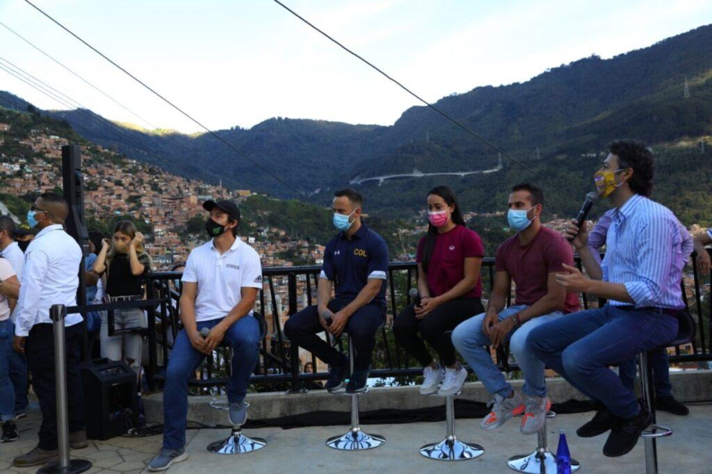 En fotos: Así fue el recibimiento de los medallistas olímpicos en la Comuna 8 de Medellín
