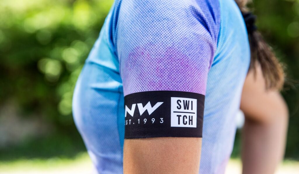 Cinco tips para lavar la ropa de ciclismo correctamente